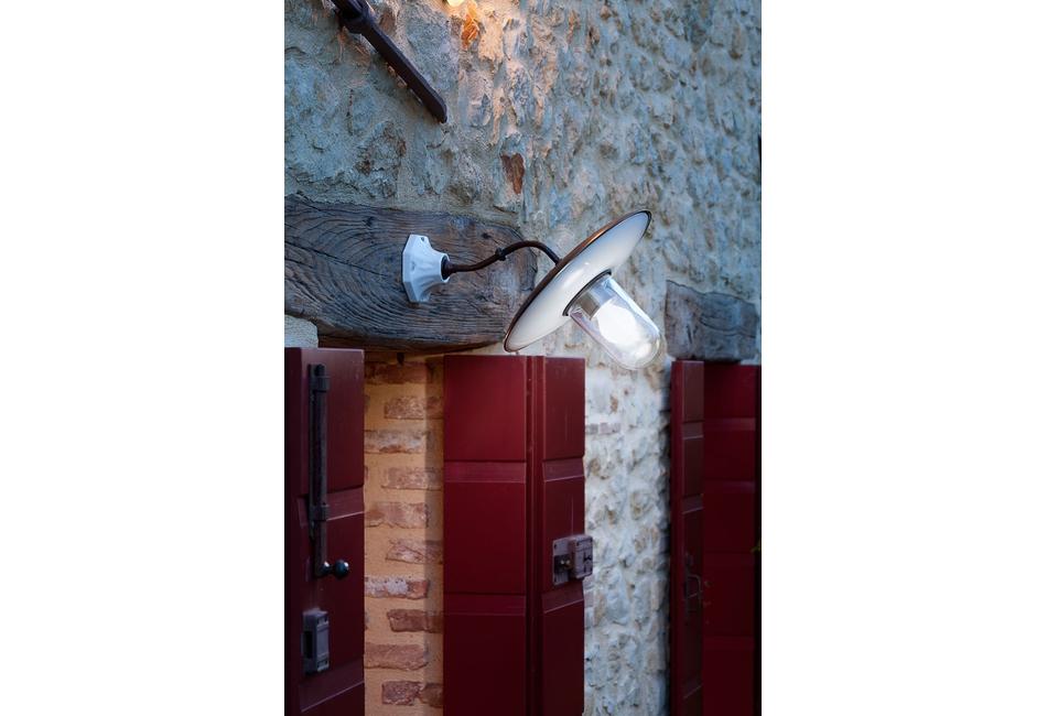 Lampada rustica a parete: al sole aldo bernardi