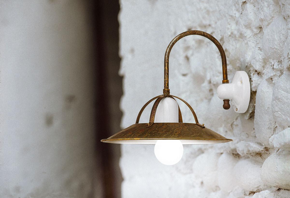 Lampada per illuminazione taverna serie postiglione aldo for Illuminazione taverna