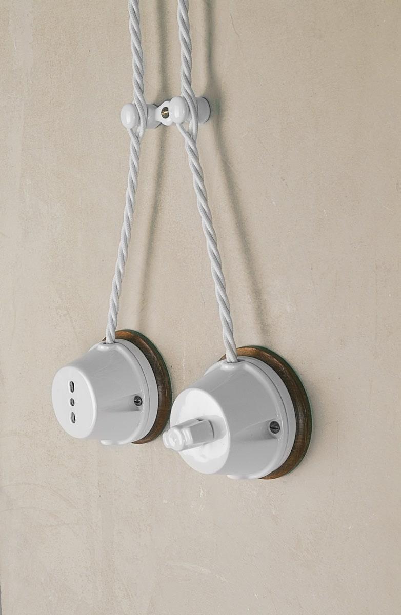 Impianto illuminazione a vista in ceramica polluce aldo bernardi - Impianti elettrici a vista per interni ...