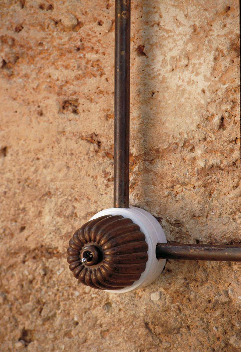 Prese e interruttori per impianto elettrico a vista aldo bernardi - Impianti elettrici a vista per interni ...