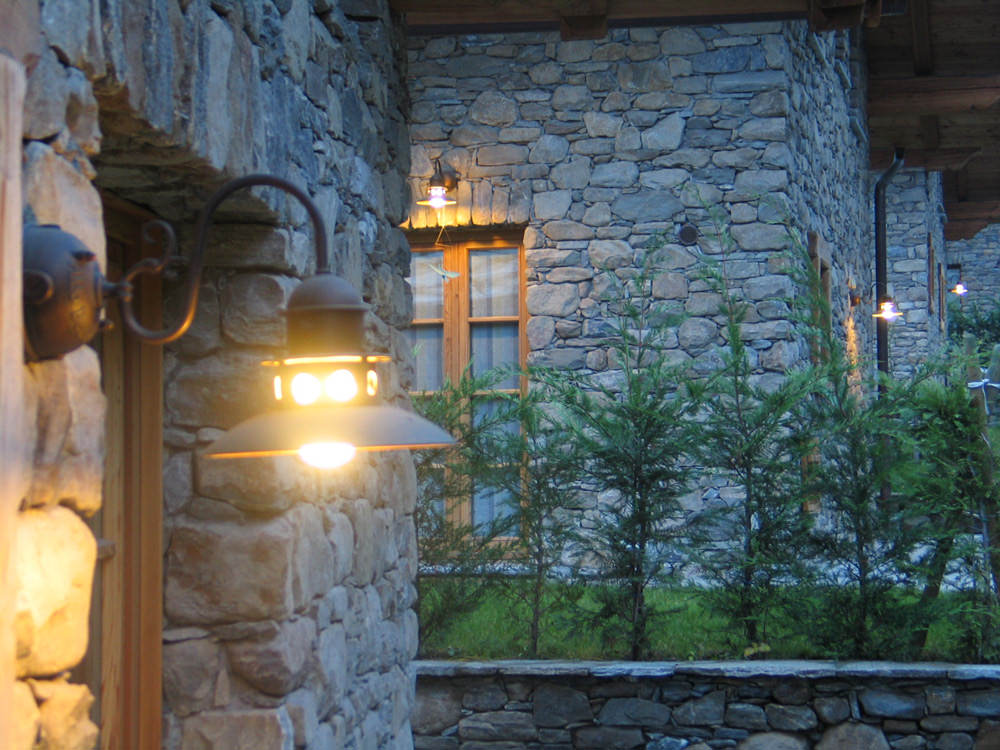 Illuminazione complesso residenziale e arredo urbano for Illuminazione d arredo