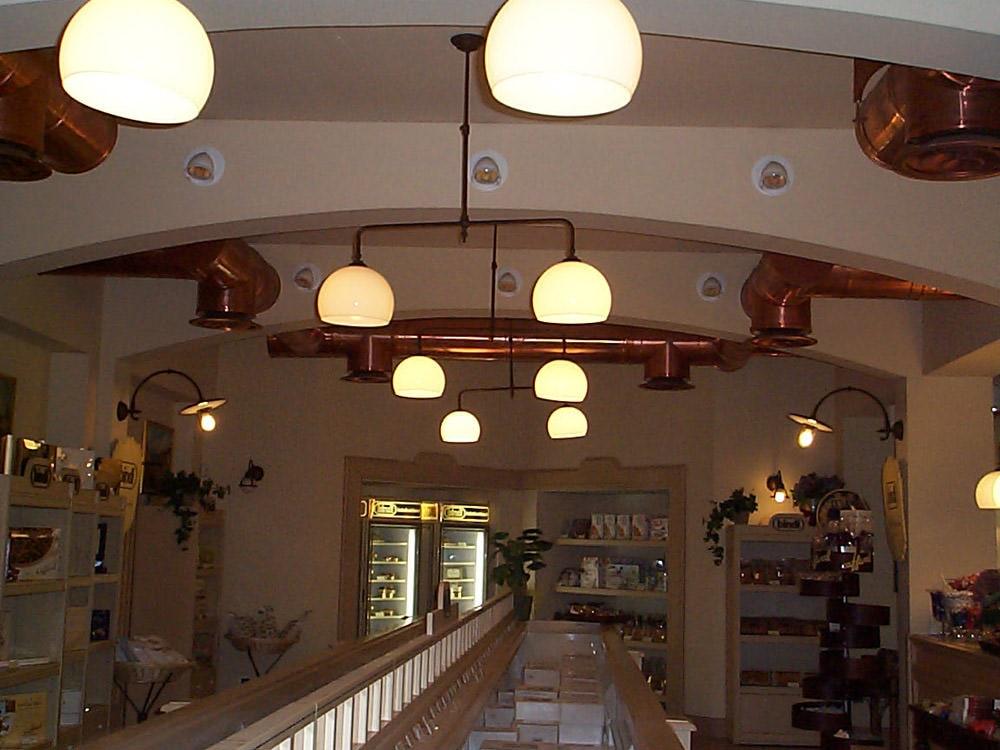 Pasticceria bindi milano : illuminazione aldo bernardi